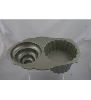 Nordic Ware - The Great Cup Cake Pan