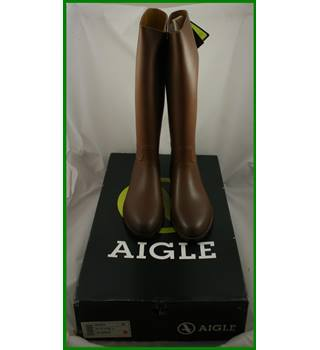 BNWT - Aigle - Size: 11 - Brown - riding boots