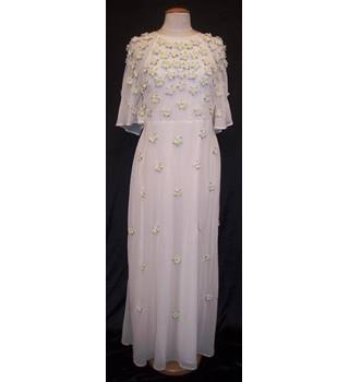 BNWT ASOS Size 14 Off white Full length Bridal dress with short angel sleeves