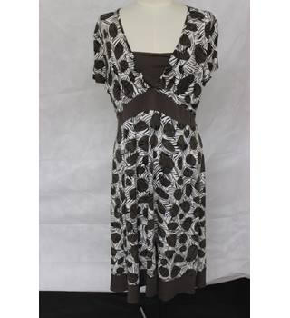 M & Co - Brown White Black Dress - With Ties - Size 18 UK - Petite