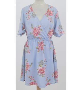 New Look - Size: 10 - Blue with pink floral dress