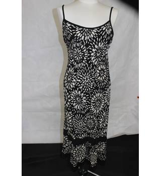Marks & Spencer - Black Beige Dress - summer - size 12 - ideal cruise wear