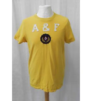 Abercrombie & Fitch - Size: M - Yellow - Short sleeved T-shirt