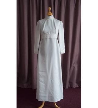 Unbranded, Hand Made, Vintage Long Sleeve Wedding Dress, Size 10