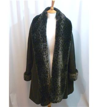 Four Seasons of London Size S black with leopard spotted faux fur trim swing coat