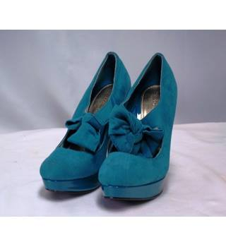 BNWOT Dorothy Perkins Size 5 Teal Suede Bow Mary Jane Heeled Shoe