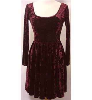 Atmosphere Primark - Size 8 Burgundy Crushed Velvet Long Sleeved Dress