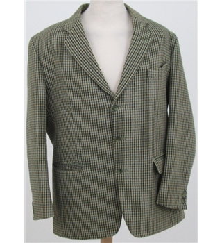 "Vintage P&J Haggart size: 44"" green / brown houndstooth jacket"