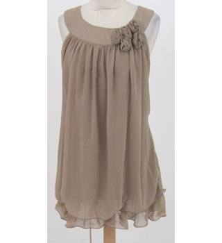 BNWT Sugar Reef - Size: 8 - Beige floaty dress