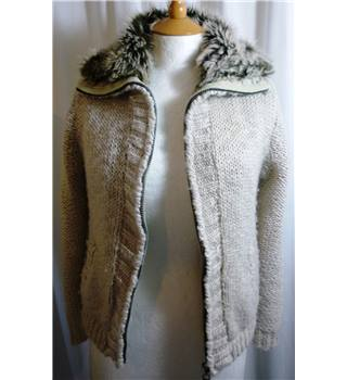 West One  size 14  white with faux fur trim coat