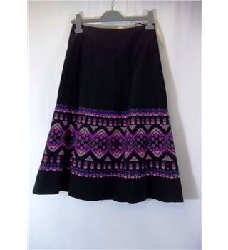 BNWT Monsoon Size 8 Black with Embroidered Pink and Purple Pattern Skirt