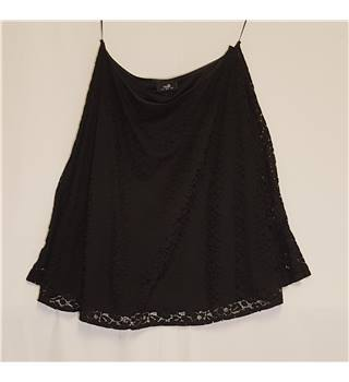 Wallis Size 14 Black Lace Knee Length Skirt