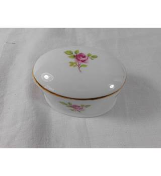Royal Grafton Roses Pill/Trinket Box