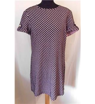 Dorothy Perkins Size 12 Black and Pink Diagonal Pattern Dress