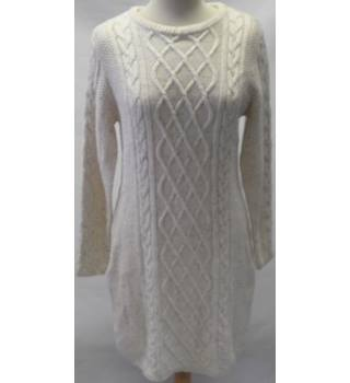 Atmosphere Size 12 Cream long sleeved cable knit jumper