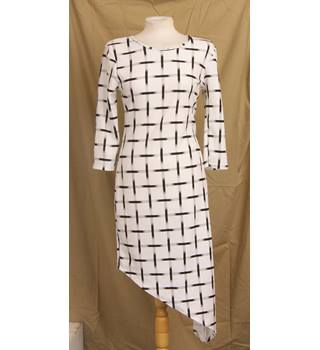 Stella Morgan - Size: 12 - White - Asymmetrical dress