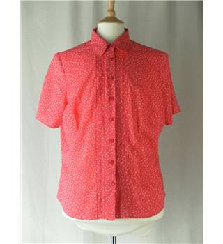 M&S Marks & Spencer - Size: 18 - Pink with White Dots Short sleeved shirt