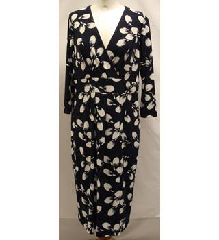 Austin Reed - Size: 12 - Navy with White Pattern Dress