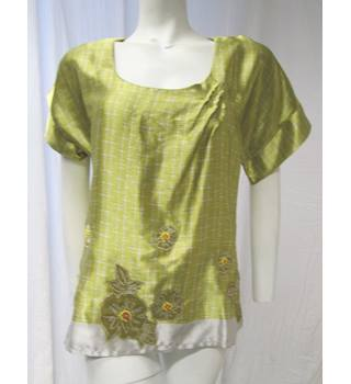 BNWT Golden Top with Flower Detail Size 12 Next - Size: 12 - Yellow