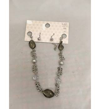 BNWT M&S Necklace & Earring set M&S Marks & Spencer - Size: Medium - Metallics - Necklace
