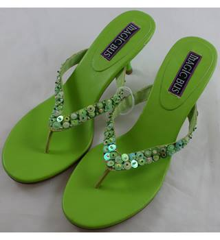 Magic Bus - Size: 5.5 - Green strappy heels