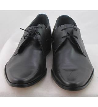 NWOT Autograph, size 10.5 black leather Derby lace ups