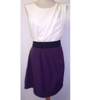 AX Paris - Size: 14 - Ivory / Black / Eggplant Purple - Sleeveless Dress
