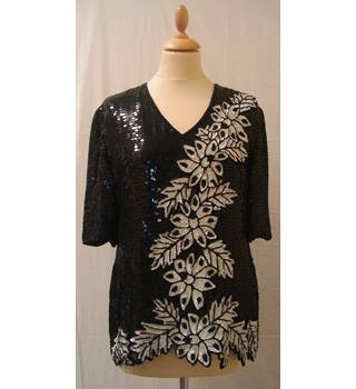 Black and White Sequined Top Frank Usher - Size: S - Black