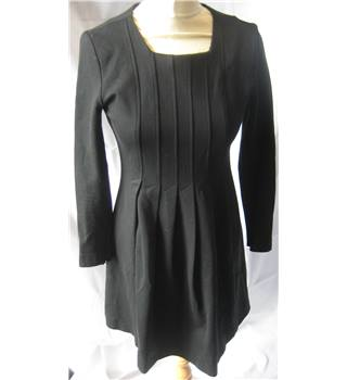 Hobbs Unlimited size 10 black pleated front jersey dress