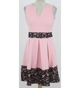 BNWT Quiz - Size: 12 - Pink and black lace dress