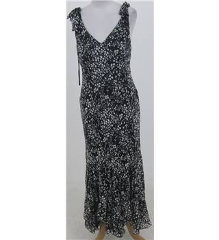 Bay: Size 16: Black & white sleeveless dress