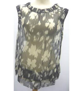 Top - medium, grey and black, sleeve less, Derhy Derhy - Size: M - Grey - Sleeveless top