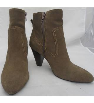 Monsoon - Size 6 - Dark Brown - Suede Heeled Boots