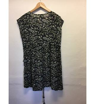 Masai dress/ long top- Size: XL - Black