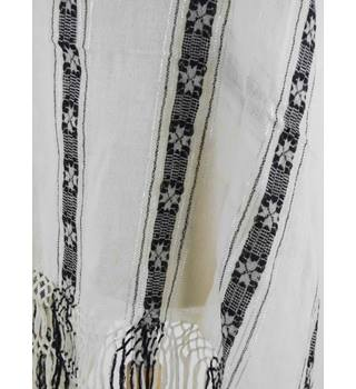 Unbranded Monochrome Scarf