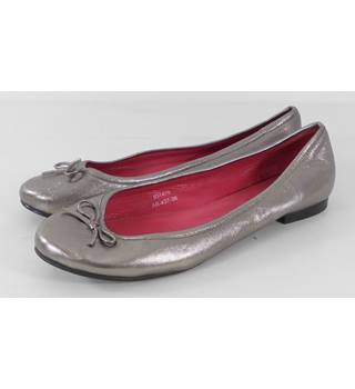 Boden Pewter Metallic Leather Ballet Pumps Size 5