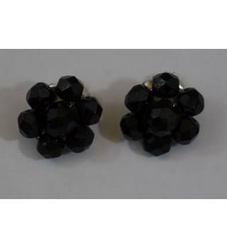 Sparkly black beaded clip on earrings Unbranded - Size: Small - Black