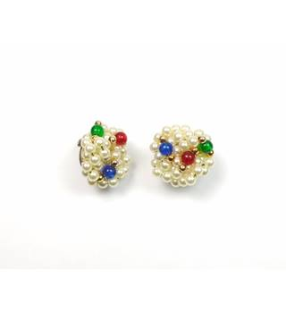 Round faux white pearl & coloured bead clip-on earrings