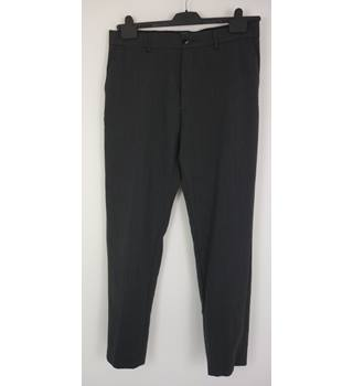 "M & S Size: M, 34"" waist, 31"" inside leg Charcoal Grey Dot Casual/Stylish Wool Blend Flat Front Trousers"