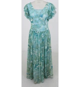 57f50f812738cd Vintage 1970s C  amp  Hoffman size S green evening dress