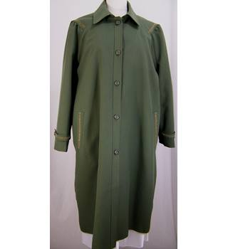 Chums - Size: 20 - Sage Green shower-proof coat with lining