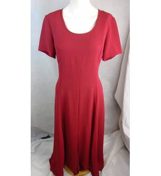 EYE CATCHING RED J.TAYLOR DRESS, SIZE 14 J Taylor - Size: 14 - Red - Full length dress