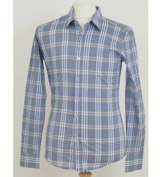 Channel size: M blue mix long sleeved shirt