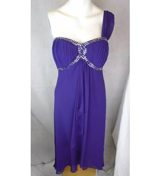 LOVELY DEBUT (DEBENHAMS) PURPLE DRESS, SIZE 14 Debenhams - Size: 14 - Purple - Asymmetrical dress