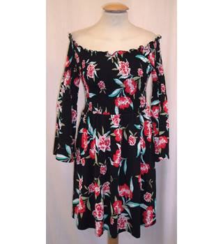 BNWT ASOS  Size 10  Off the shoulder black with coral pink flower print stretch jersey Mini dress with angel sleeves
