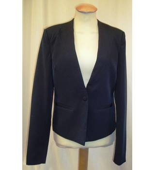 BNWT Y.A.S  Size S  Collarless navy blue cropped length Blazer