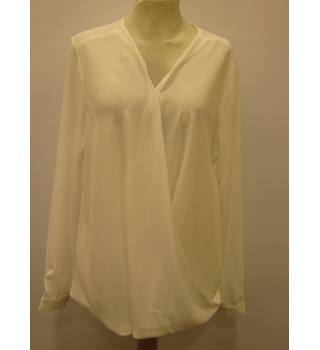 BNWT Capsule - Size: 10 - White - Blouse