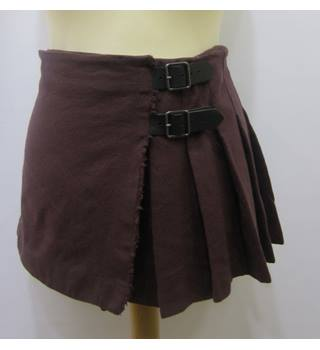 Burberry - Size: 12 -Maroon Skirt