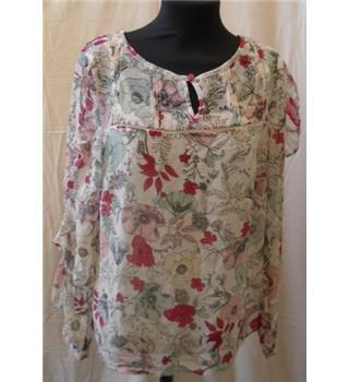 NWOT Per Una size 10 cream with pink, red and blue floral pattern blouse