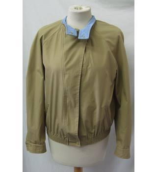 MatchSet - Size 10 - Beige with button collar jacket